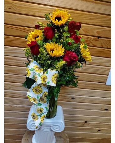 Sunflowers and red roses Flower Arrangement