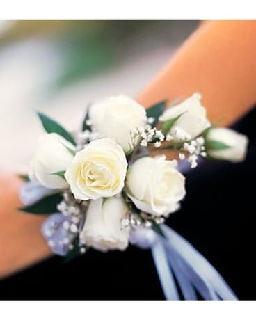 Prom corsages boutonnieres delivery marysville ca the country 7 white mini roses wristlet mightylinksfo