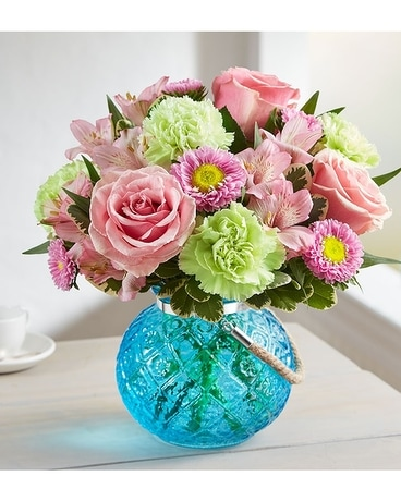 Splendid and Sweet Flower Arrangement
