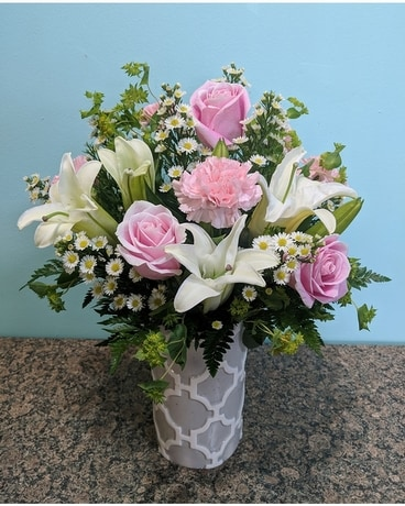 SIMPLY SOPHISTICATED Flower Arrangement
