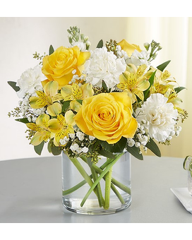 YELLOW AND WHITE DELIGHT Flower Arrangement