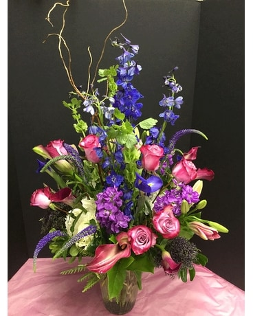 The Grand Gesture Flower Arrangement
