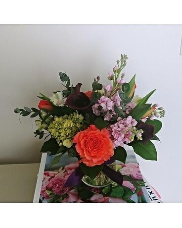 Strawberry Blonde (The Subways) Flower Arrangement