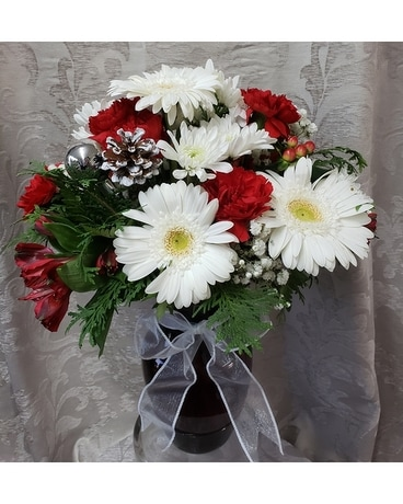 Holiday Cheer Flower Arrangement