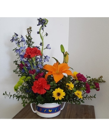 Chicken soup bowl boquet Flower Arrangement