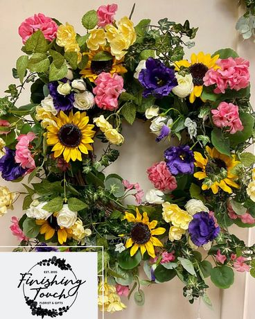 Seasonal High Quality Silk Wreath Specialty Arrangement