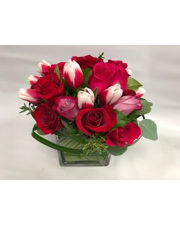 Red roses romance Flower Arrangement
