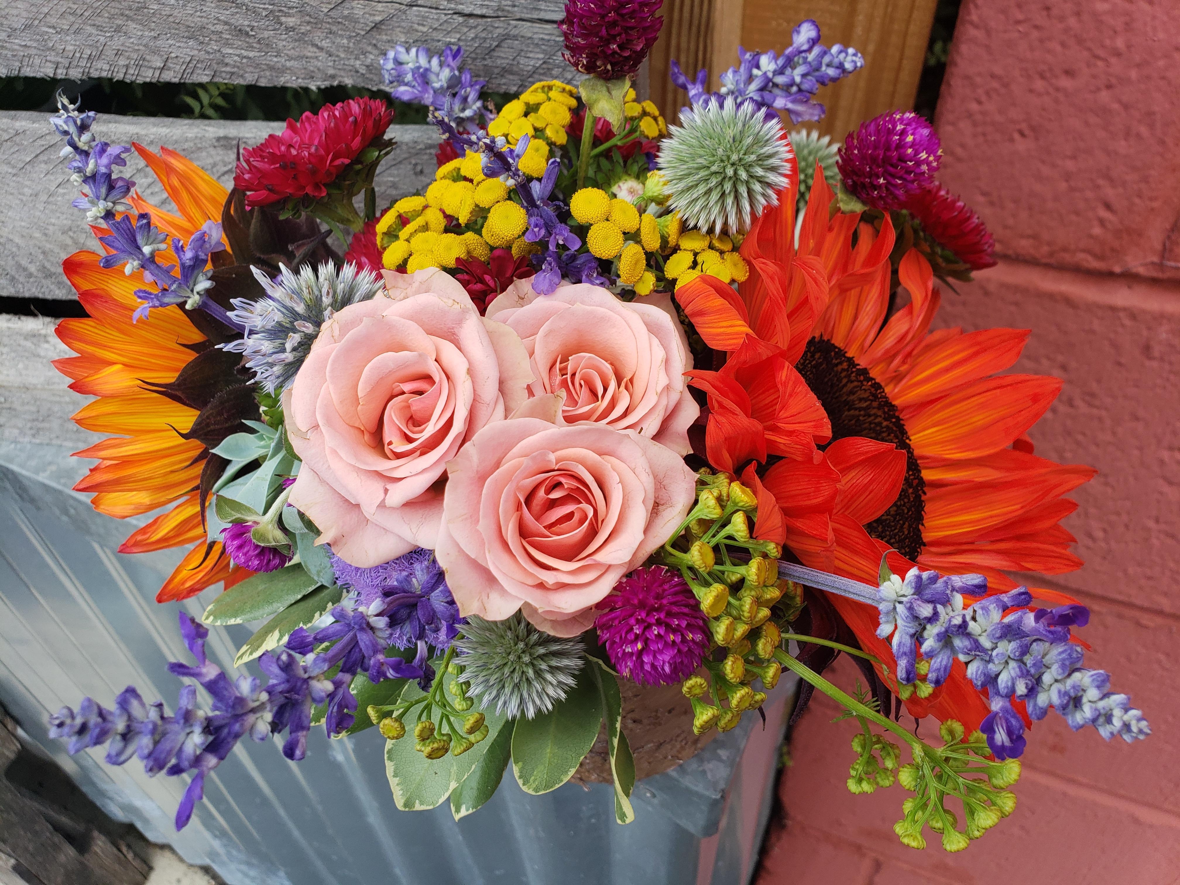 Ferndale Florist Flower Delivery By Blumz Jrdesigns