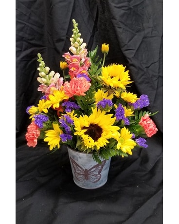 Schroeder's Monthly Special Flower Arrangement