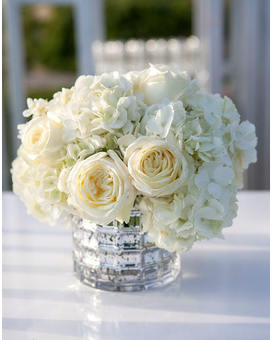 Simple & Elegant Flower Arrangement