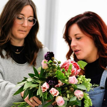 floral classes retreat